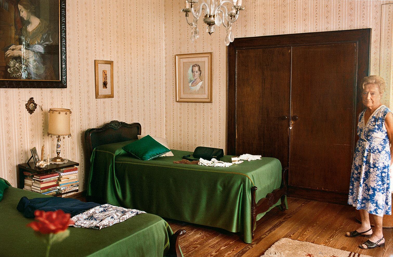 20 Habitacion de la Negra-Negra´s bedroom 2000 copia.jpg