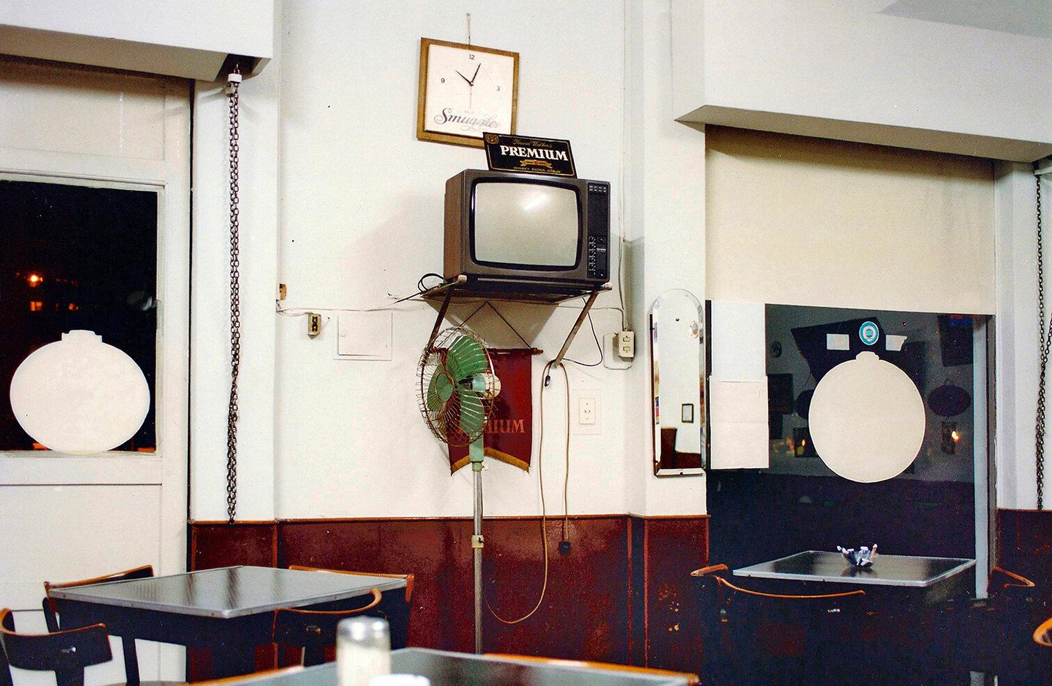 29 Café Los tribunales Los tribunales´s cafe 2000 copia.jpg