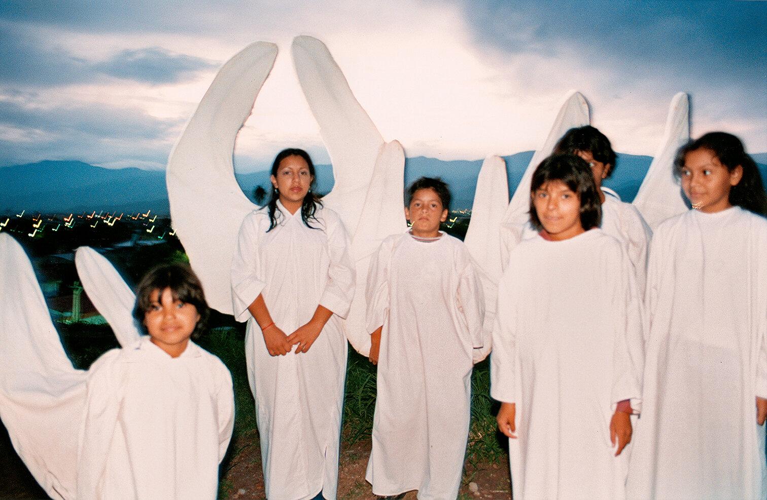 39 Angeles-Angels 2001.jpg