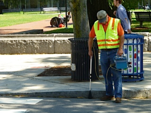 Bob Ackley of Gas Safety Inc. conducting a survey on foot using a Flame Ionization (FI) detector. Source: HEET