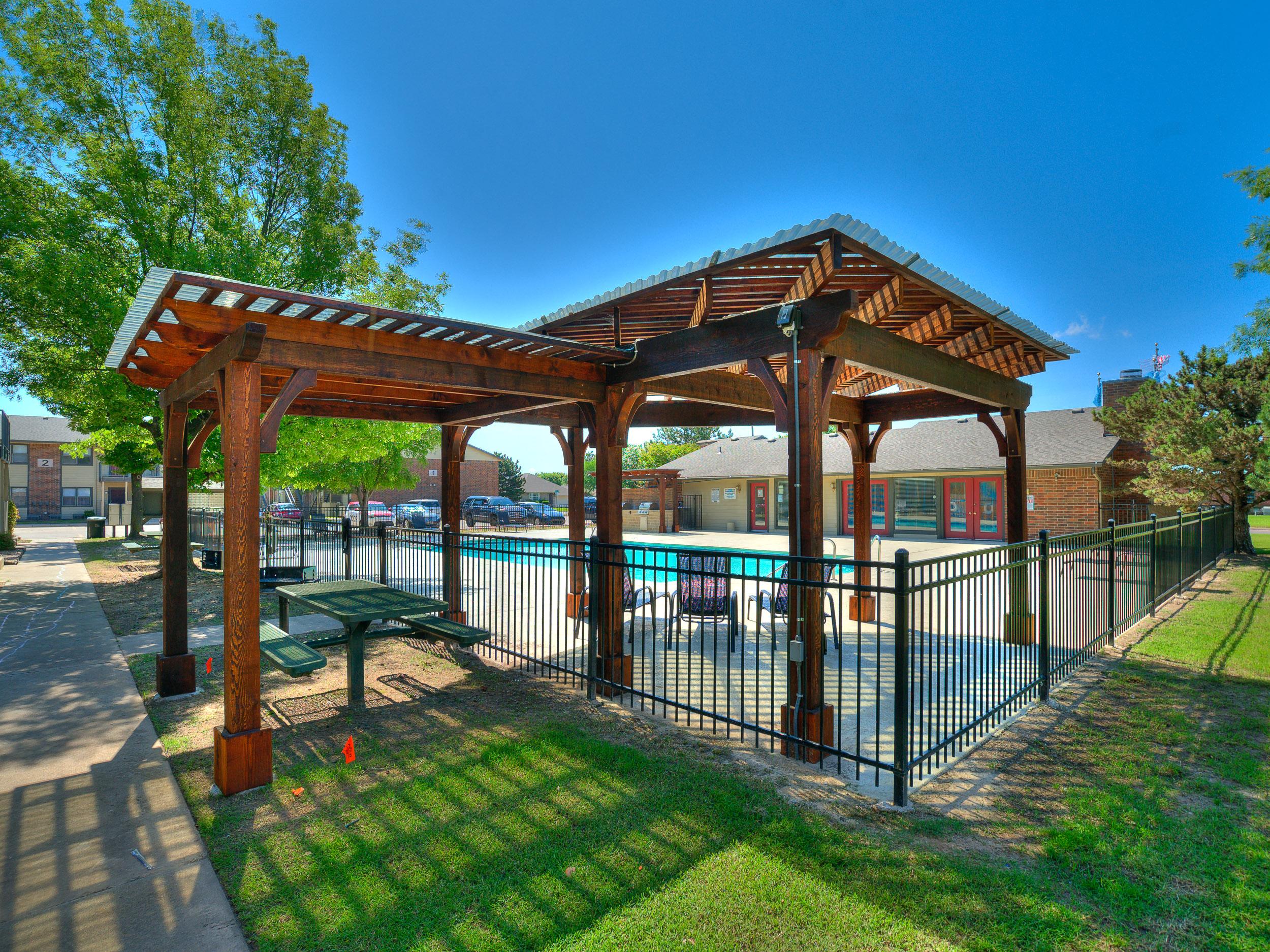 Savannah Ridge Pool Grill-14.jpg