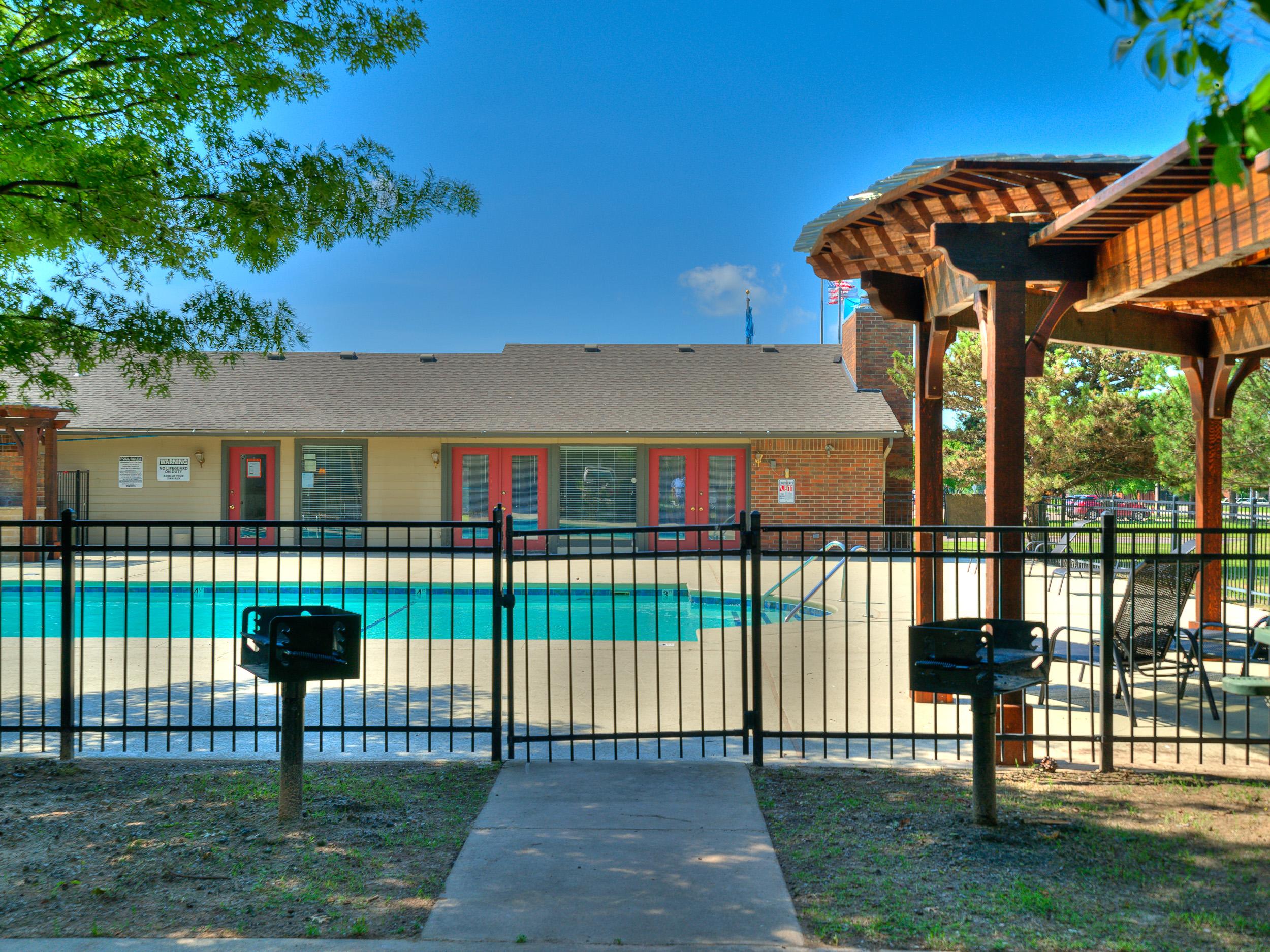 Savannah Ridge Pool Grill-15.jpg