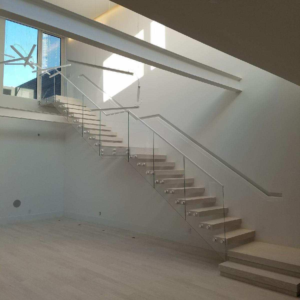 interiror stair rail square.jpeg