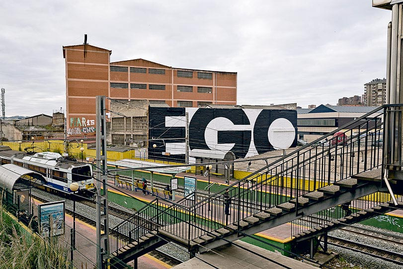 01-SpY-EGO.jpg