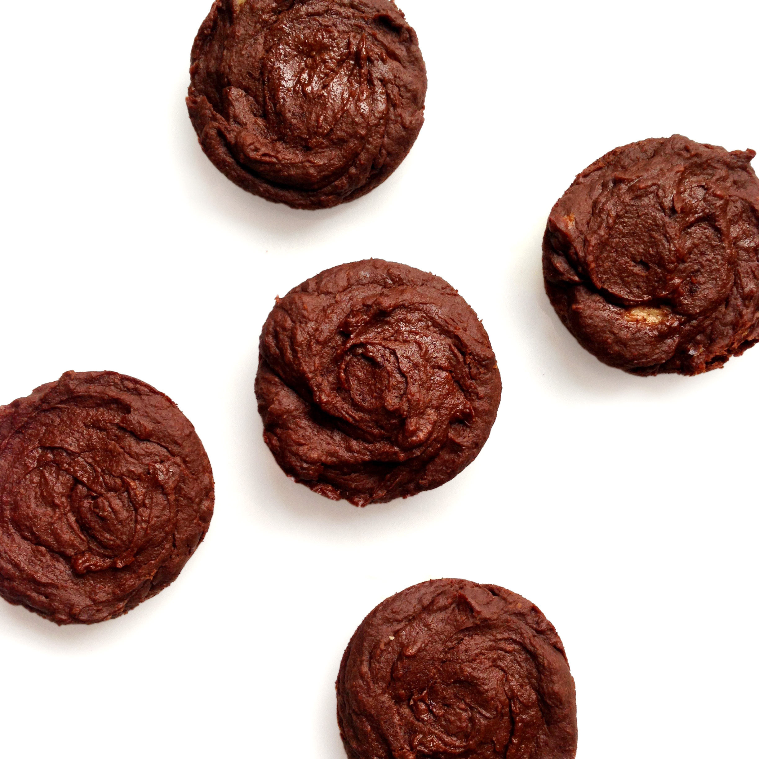 Chocolate Pumpkin Muffins. Satisfying and delicious without sugar, flour, or oil! Stay fit and skinny and have a treat too!