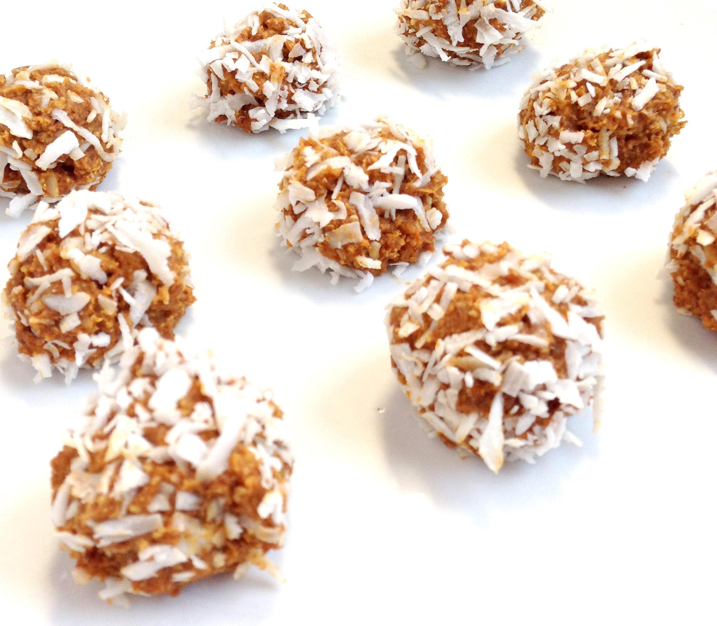 Pumpkin Protein balls. Fall treat and healthy eats.