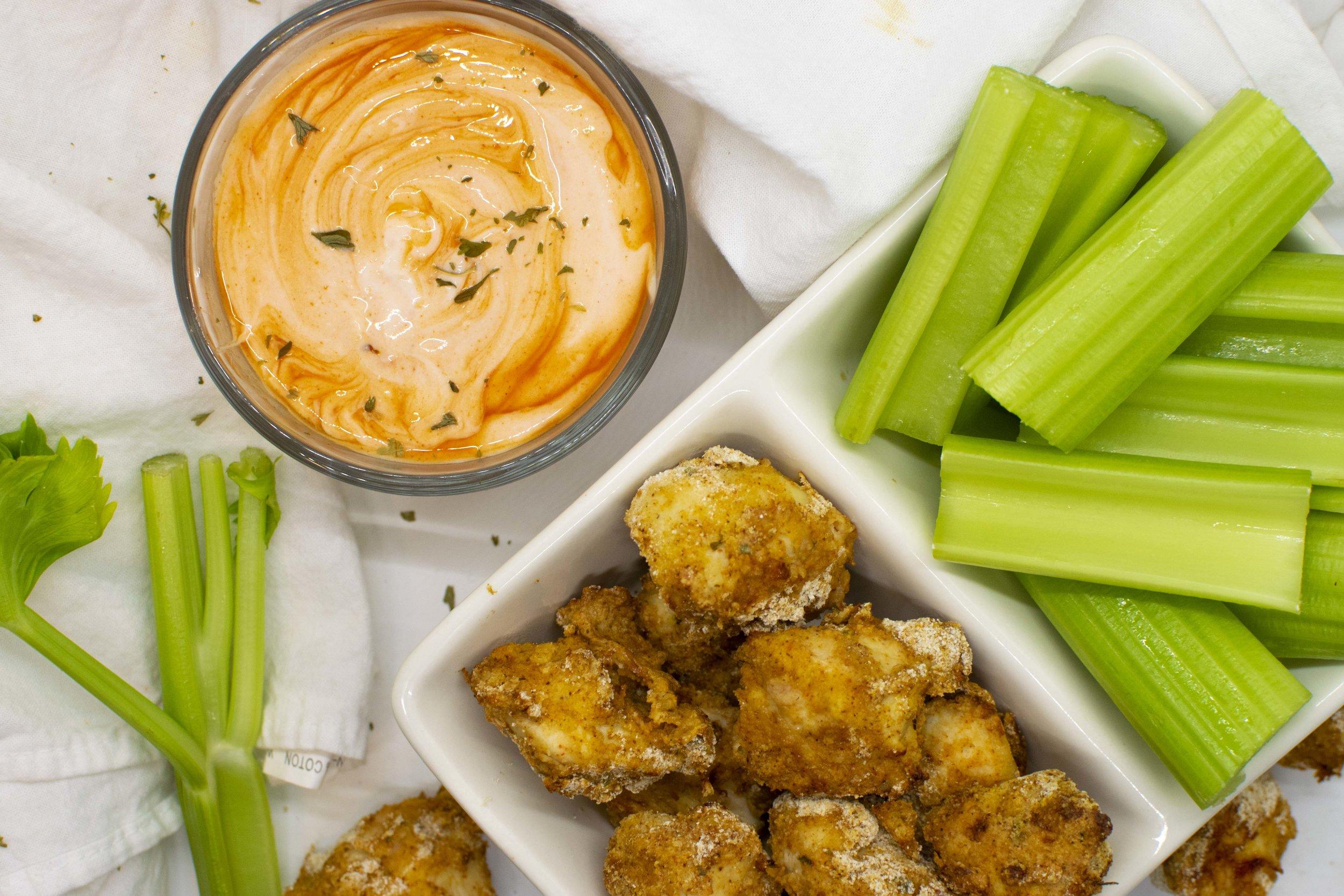 Very easy healthy buffalo chicken nugget recipe. Spicy and crispy!