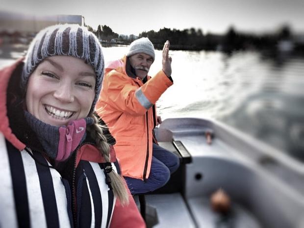 To nøgde sjela på fisketur.