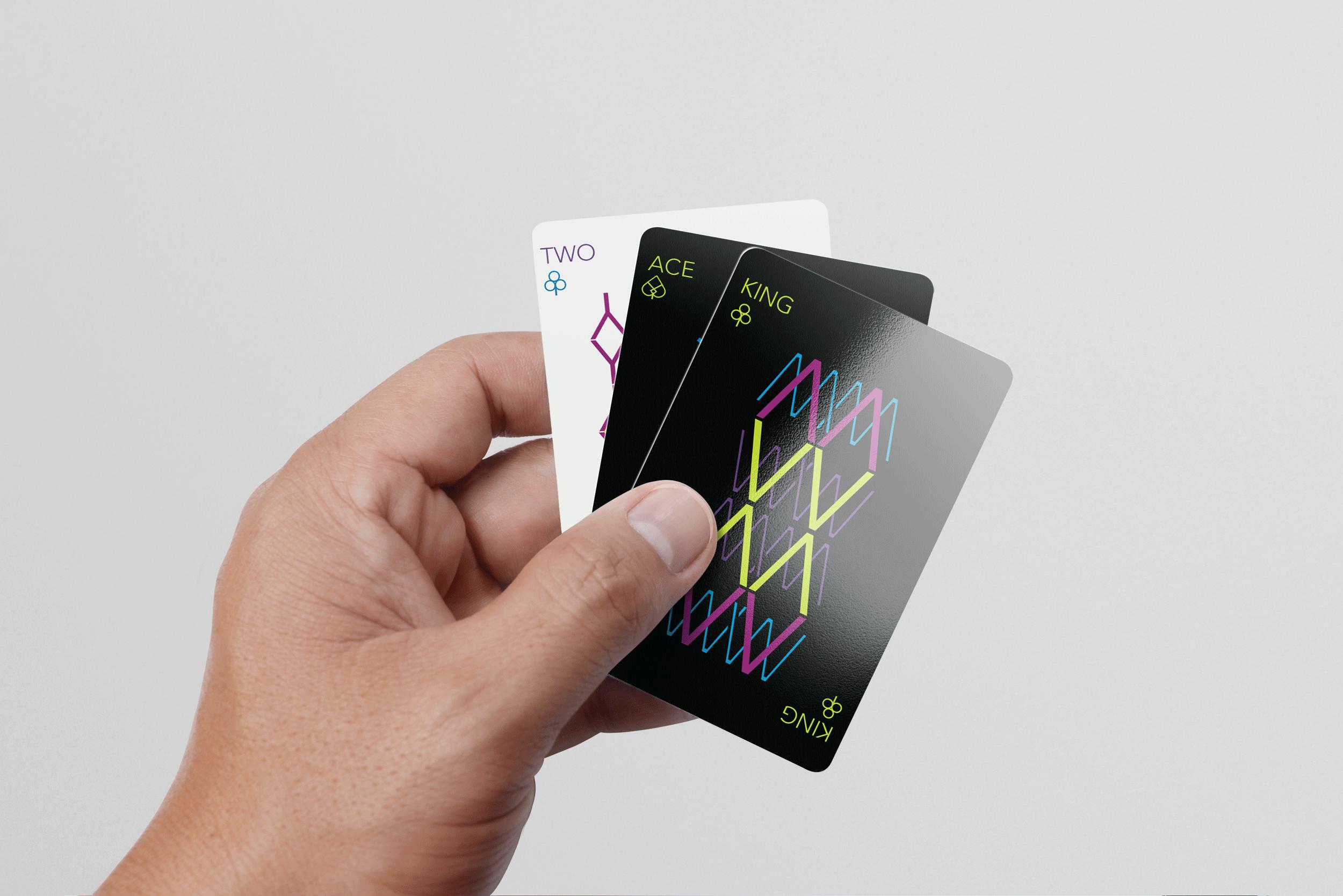bg_avenir_playing_cards1.png