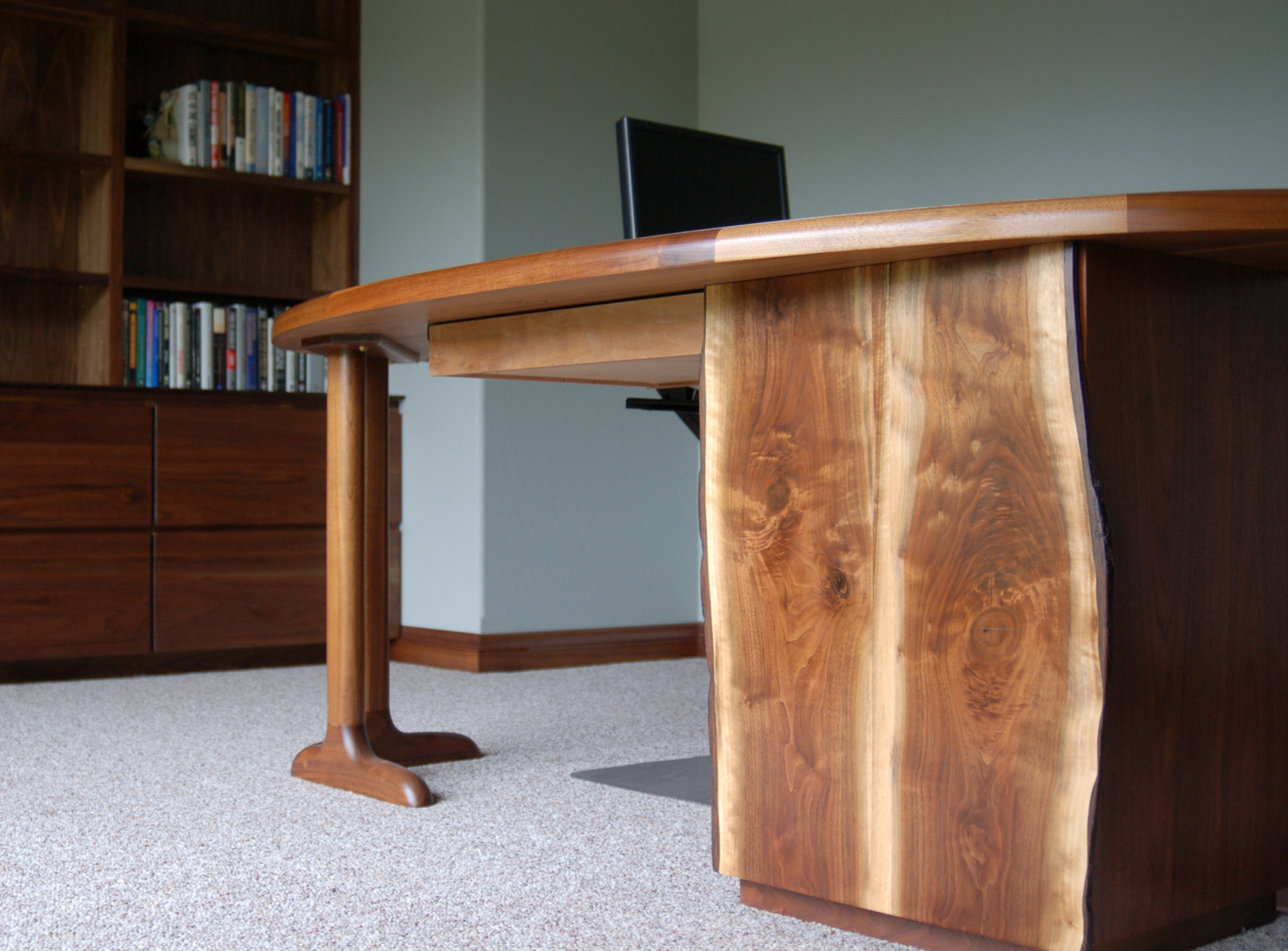 marcum-desk-detail.jpg