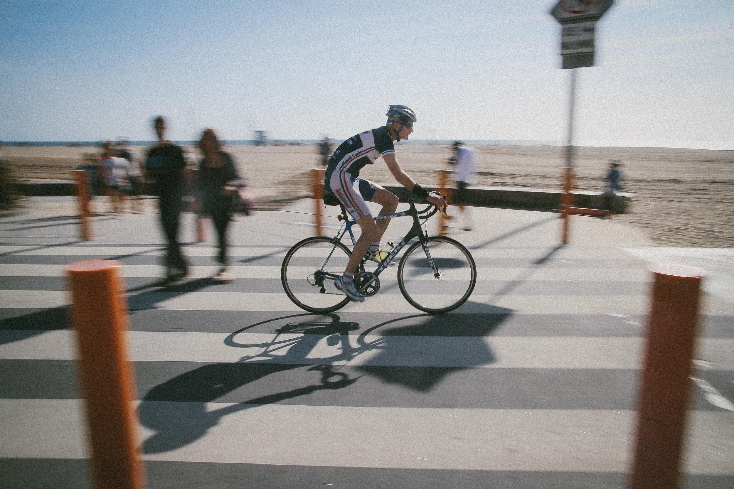 2015-04 Santa Monica cyclist.jpg