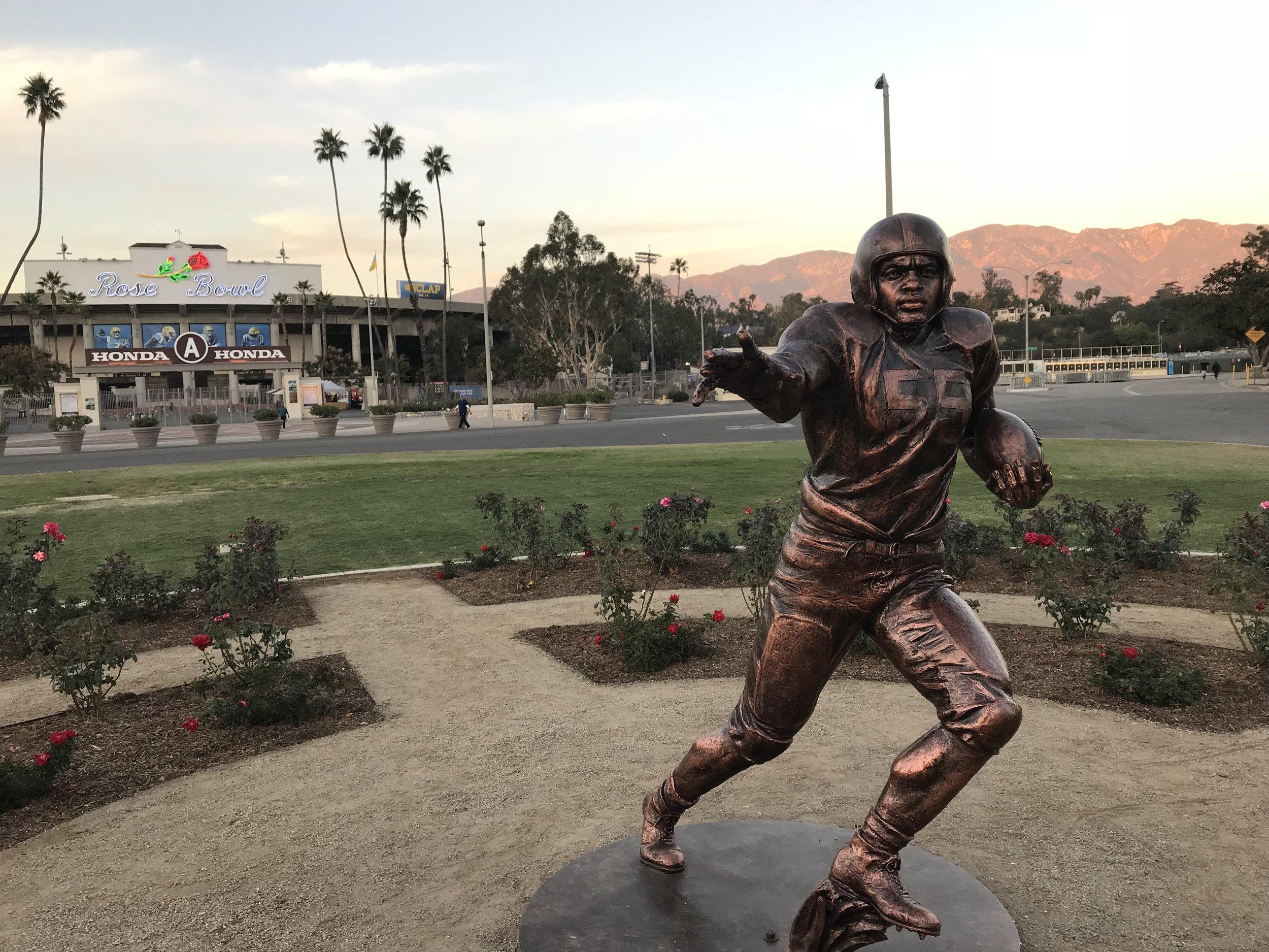 Jackie Robinson Statue: