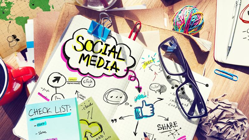 ADMINISTRACIÓN DEREDES SOCIALES - Acércate e Interactúa con tus clientes,aprende de sus motivaciones y necesidades.