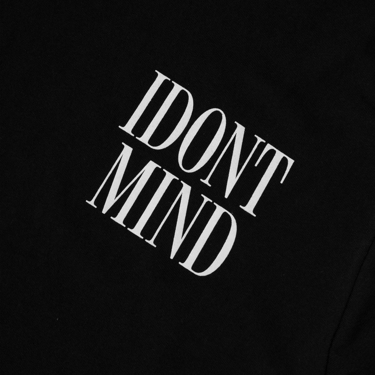 IDONTMIND-Stack-Tee-Black-Detail.jpg