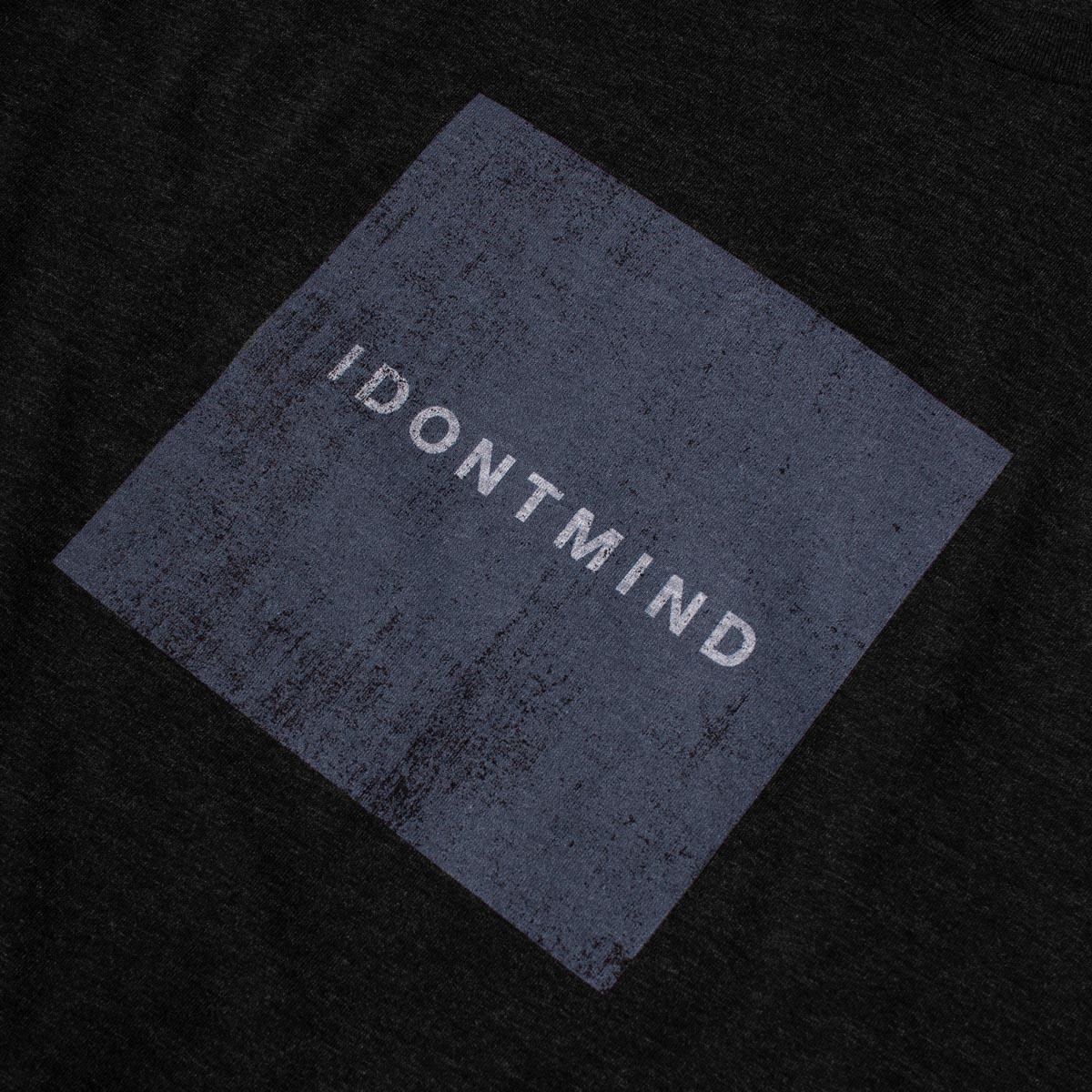 IDONTMIND-Vintage-Square-Tee-Black-Detail.jpg