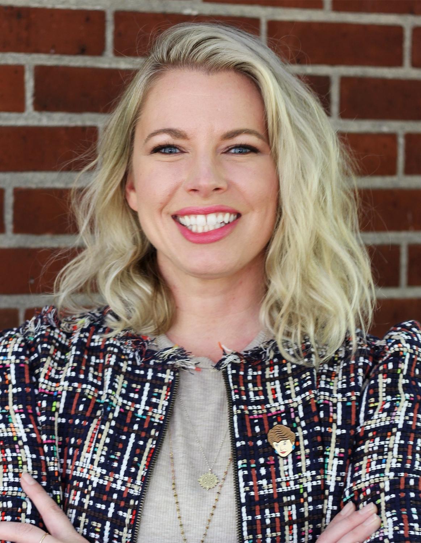 Amy headshot color 5.2019.jpg