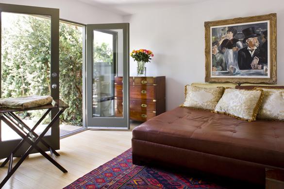 bobo bedroom 1.jpg