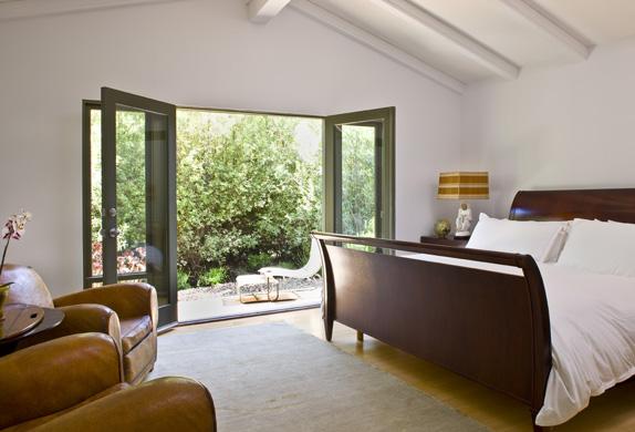 bobo bedroom 2.jpg