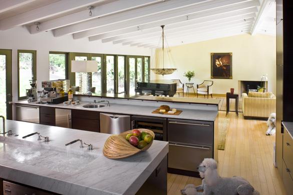 bobo kitchen 1.jpg