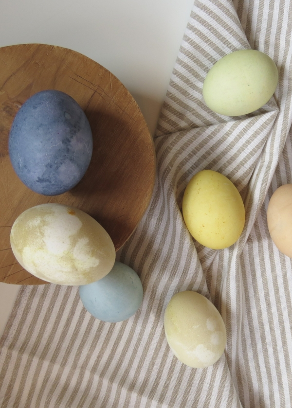 natural ways to dye easter eggs with Foraged Home