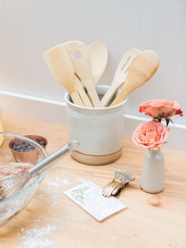 Ceramic utensil holder via Foragedhome.com
