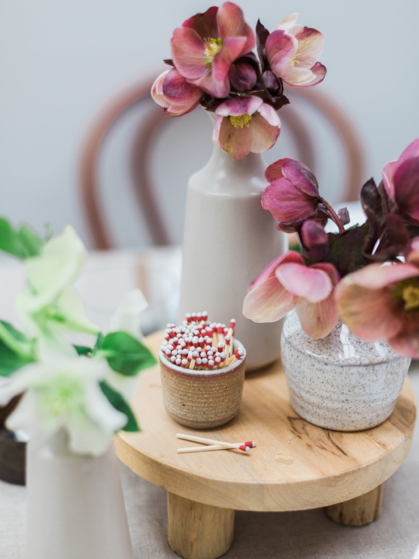 Spring flowers for centerpiece in shades of mauve and blush
