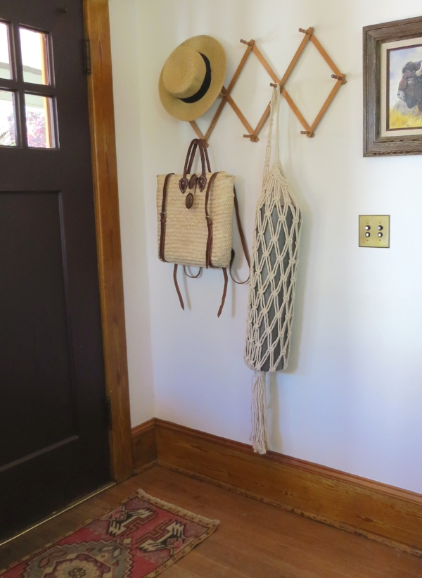 Small entry way set up and decor from Foragedhome.co