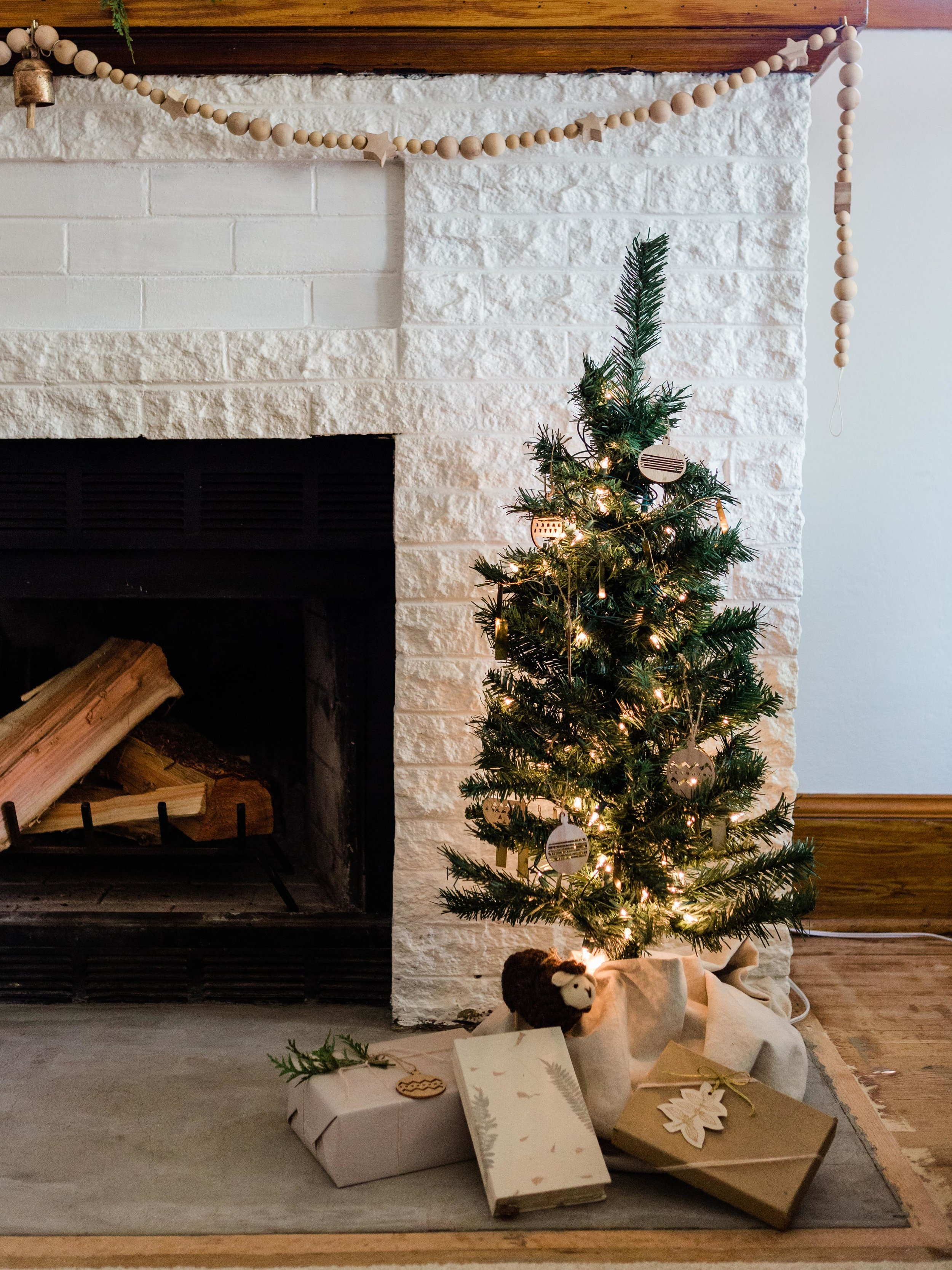 A simple and minimal Christmas from Foragedhome.com
