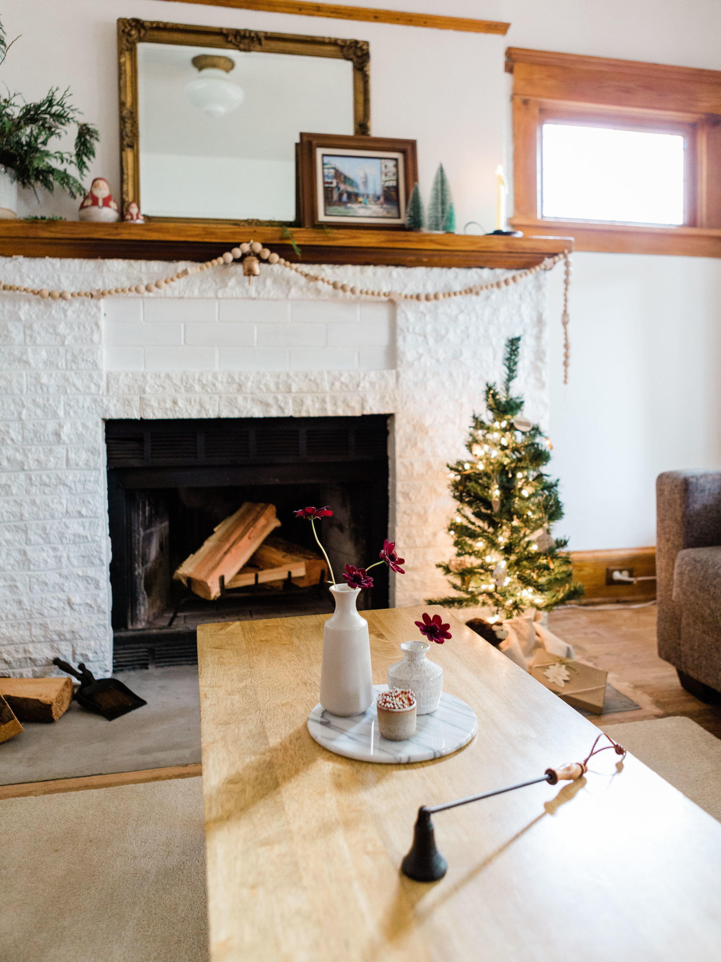 tips for a simple and minimal christmas foraged home