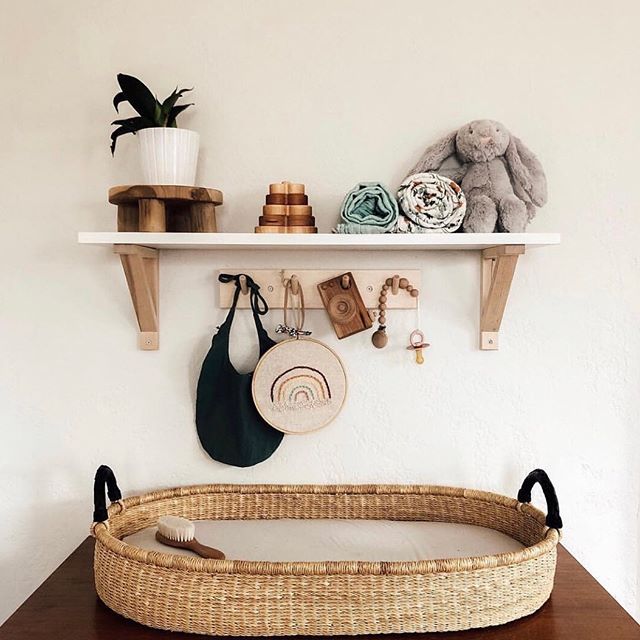 I spy, with my little eye...one of our wooden stands! Love this cute little vignette in @___thebakers home. Thanks for sharing Torrie! #foragedhome