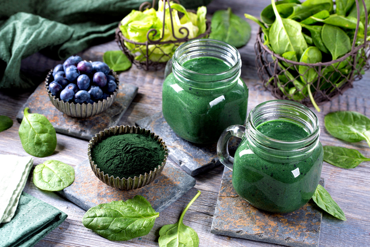 Delicious-Green-Smoothie-Recipe-Including-Spirulina-featured.jpg