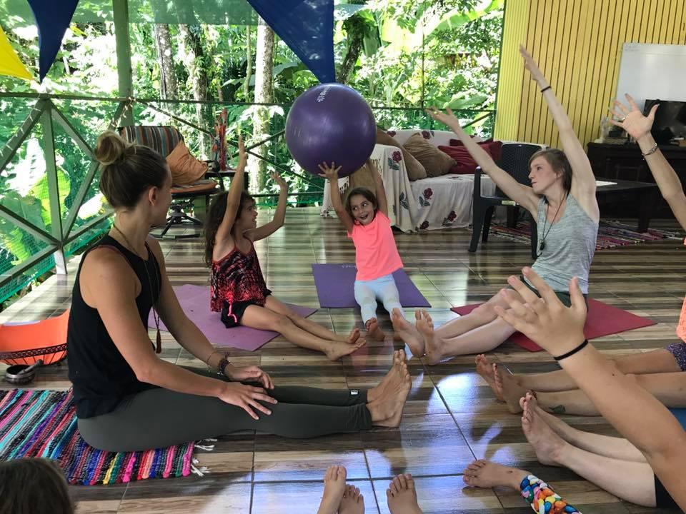 yoga kids 2.jpg