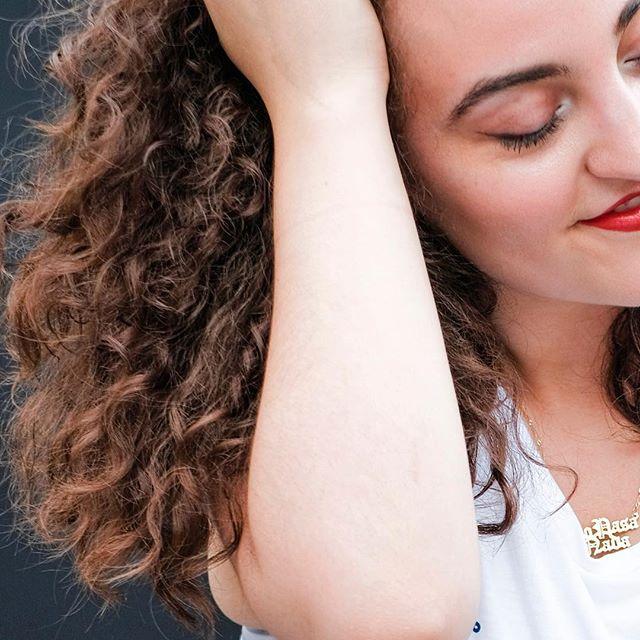 👋🏼 Hola Reinas, treat your curls with the by, and for, Latina hair care, Rizos Curls, available now on the tienda ♥️ •⠀ •⠀ •⠀ •⠀ #trenza #holatrenza #latina #fashion #beauty #latinx #power #community #girlboss #mujeres #jefa #latinx #hispanic #riseandgrind #latinacommunity #shoplatinx #power #latinxpower #womenempowerment #feminist #mondaymotivation #latinxpower #latinatshirts #monday #latinapower #rizoscurls #rawlybold #tienda #latinafashion #launch #tienda