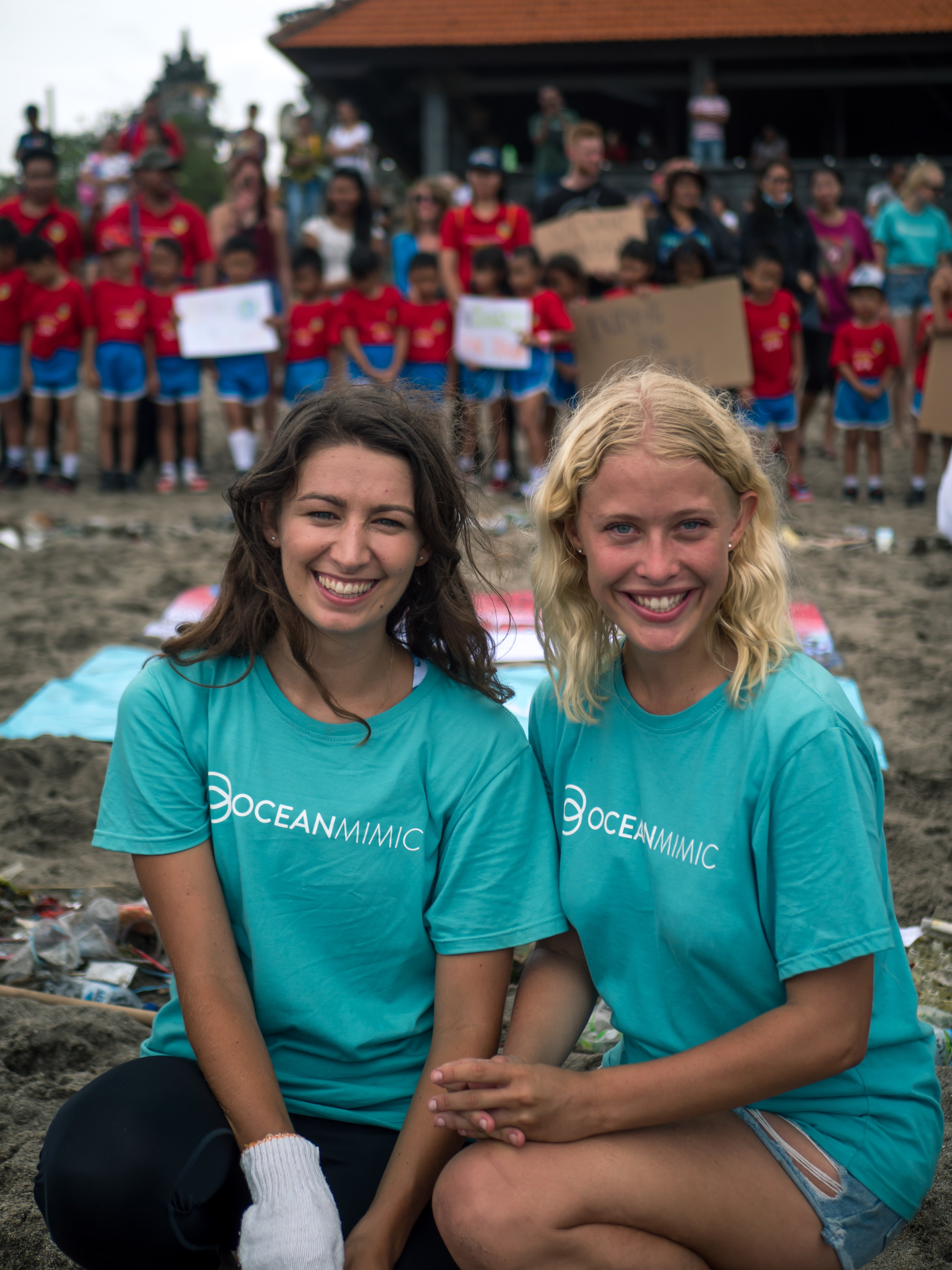 Emma and Chelsea, co-founders of Ocean Mimic. © Ocean Mimic