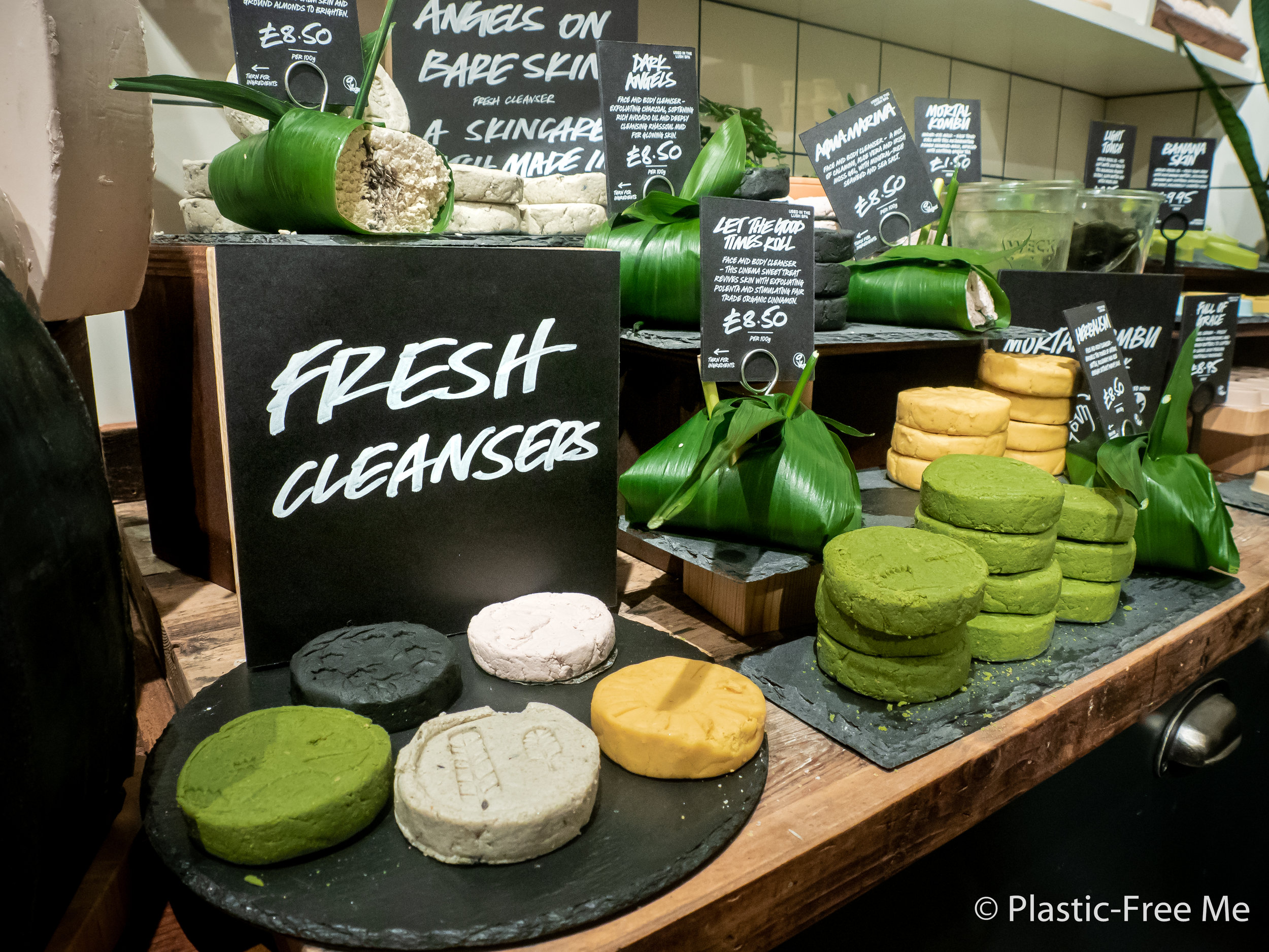 Packaging-free products at Lush