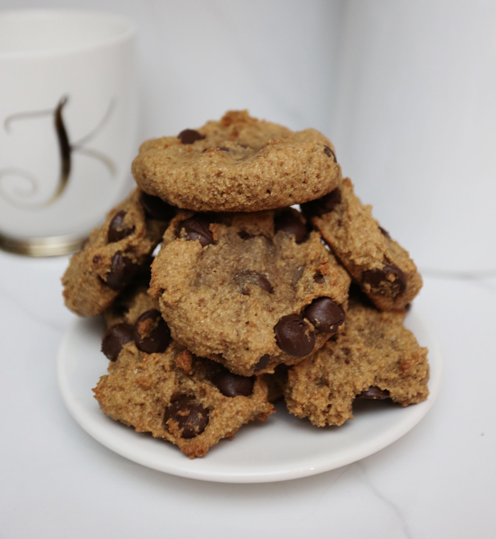 Paleo Chocolate Chip Cookies - Kristenmcgowan.com