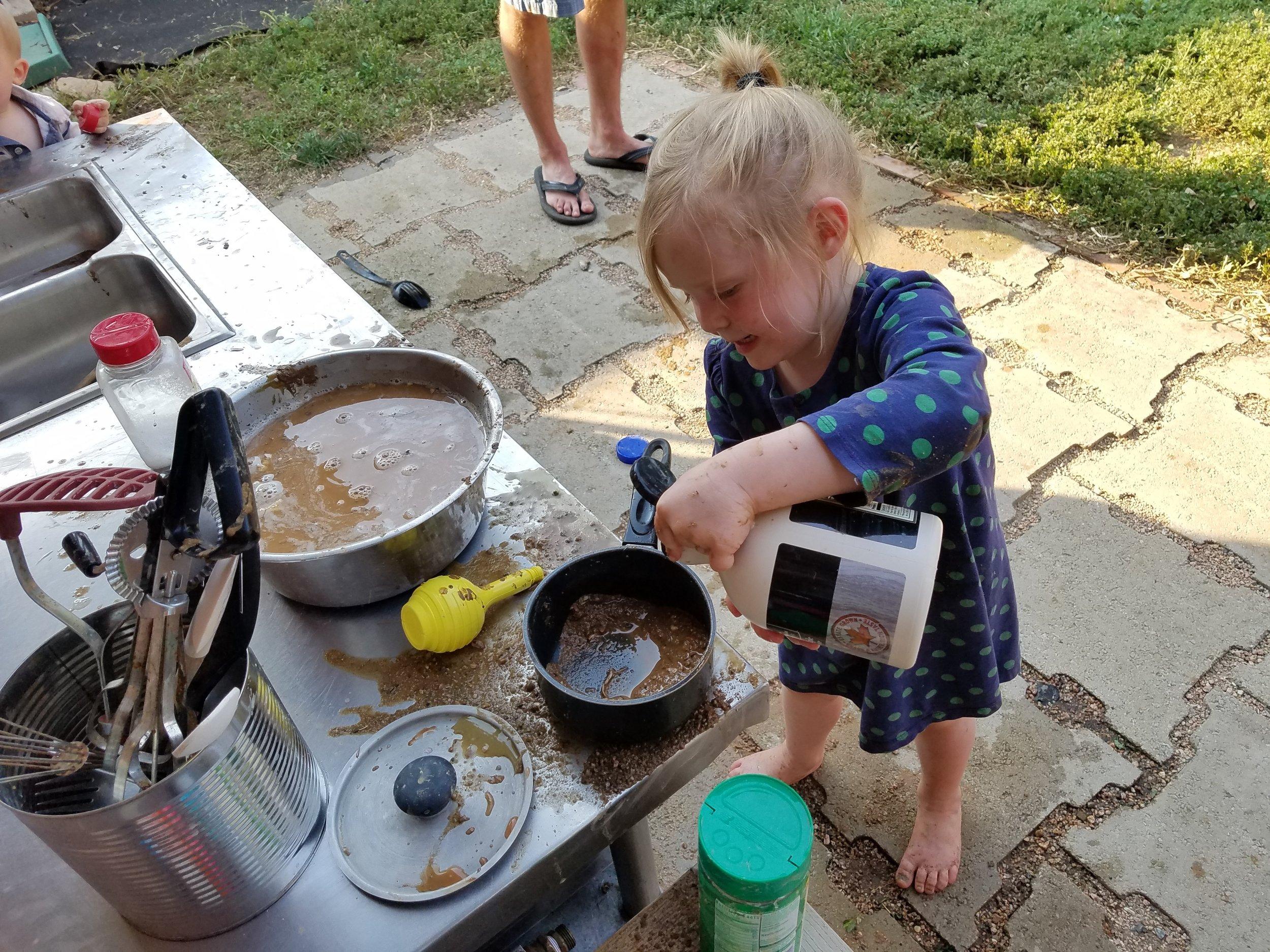 Mud Kitchen (8).jpg