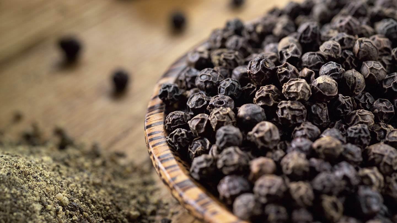 ground black pepper health benefits