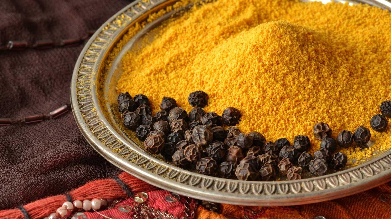 turmeric and black pepper powder