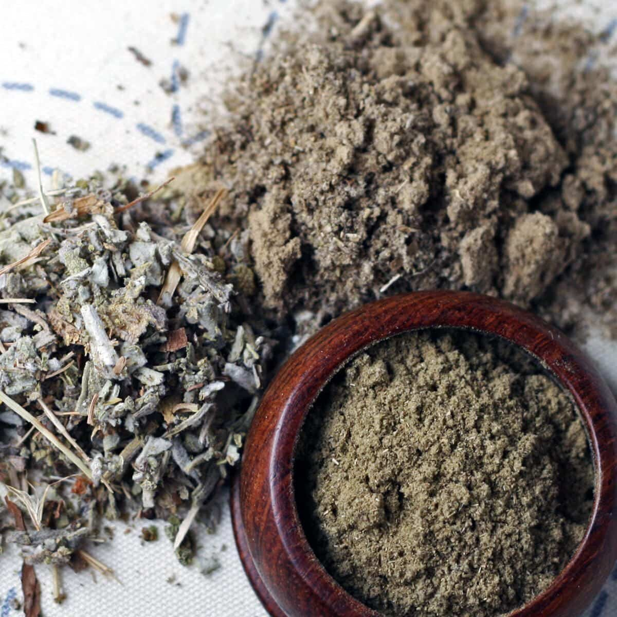 rubbed ground and dried sage spices