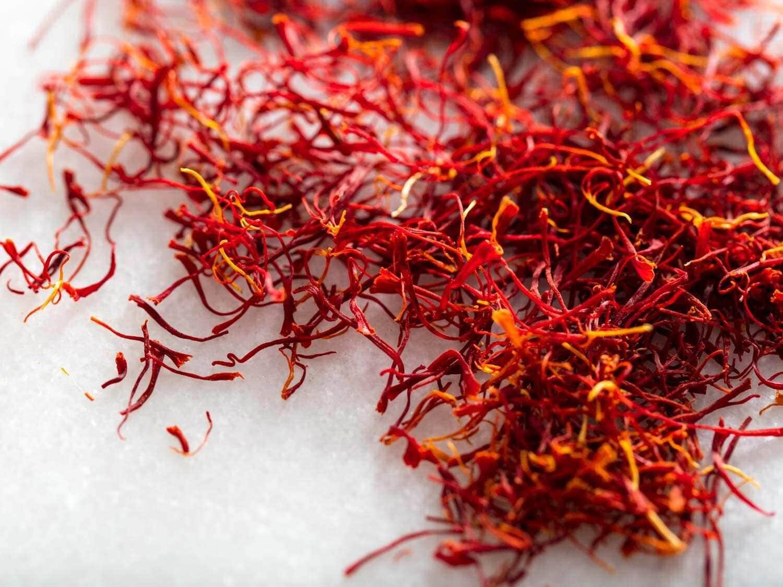 saffron crocus sativus strands