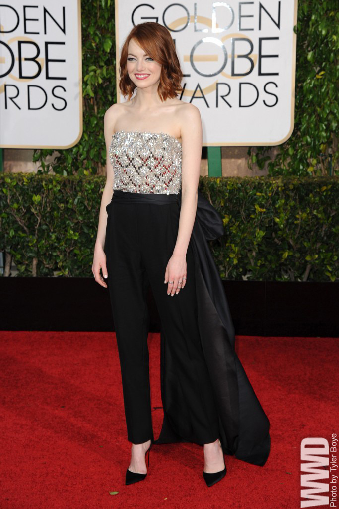 wwd :      Emma Stone in Lanvin on the Red      Carpet at the Golden Globes.      ❤️