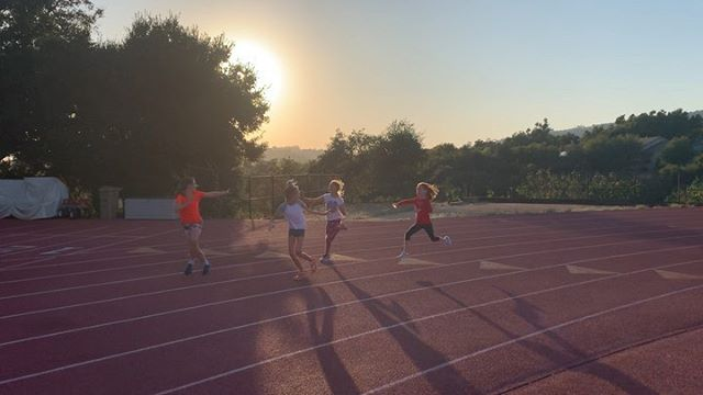 Looks at these runners keeping the baton moving through the zone! #Relays #4x100m #SantaBarbaraTC #Run #SantaBarbara