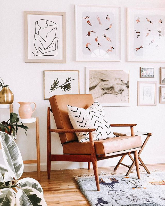 Interior design, event design, floral design- we love anything involved in creating interesting and meaningful spaces where people can connect. Inspiring connection involves combining new items with old, items you have collected from travel, interesting artwork and anything that tells a story. How do you inspire connection in your home or gatherings?  ________________________________________ #interiordesign #apartmenttherapy #sodomino #oregonhome #graymagazine #heritageschoolofinteriordesign #style123 #beherenow #bepresent #inspireconnection #gatherings #interiors #society6 #celadonart #personalartwork