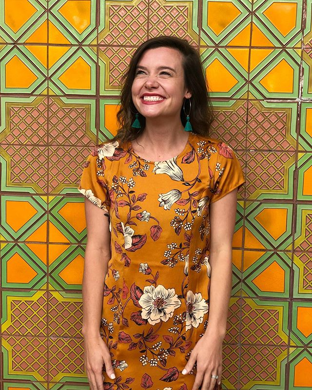 Let's do a Friday introduction! This is me, Martha, the owner and founder of Olive + Rust. I'm cheesing pretty hard today about the amazing event season we have had this year and all the beautiful people it has brought into our life. I opened this business in 2017 with the core purpose of empowering meaningful connection in beautiful spaces. What happened from this action has become more than I could have ever imagined. I've built a beautiful friendship with my assistant and stylist @mcamille_ , we have both grown so much in our creativity and organization and we have been able to share our gifts with the world. We are experiencing some pretty cool growth over here at Olive + Rust and I have a feeling we are going to be making some big announcements over the next few weeks! But first- tomorrow's epic wedding @jacobsensaltco ✨. ________________________________________  #oregonwedding #ceo #myownboss #bossbabe #brightheadshot #visualdesigner #designer #createmagic #outdoordinner #dinnerseries #empowermeaningfulconnection #sidehustle #expander #fallwedding #pacificnorthwestwedding #pacificnorthwest #oregonbrides #heyheyhellomay #wedventure #oregonbridemagazine