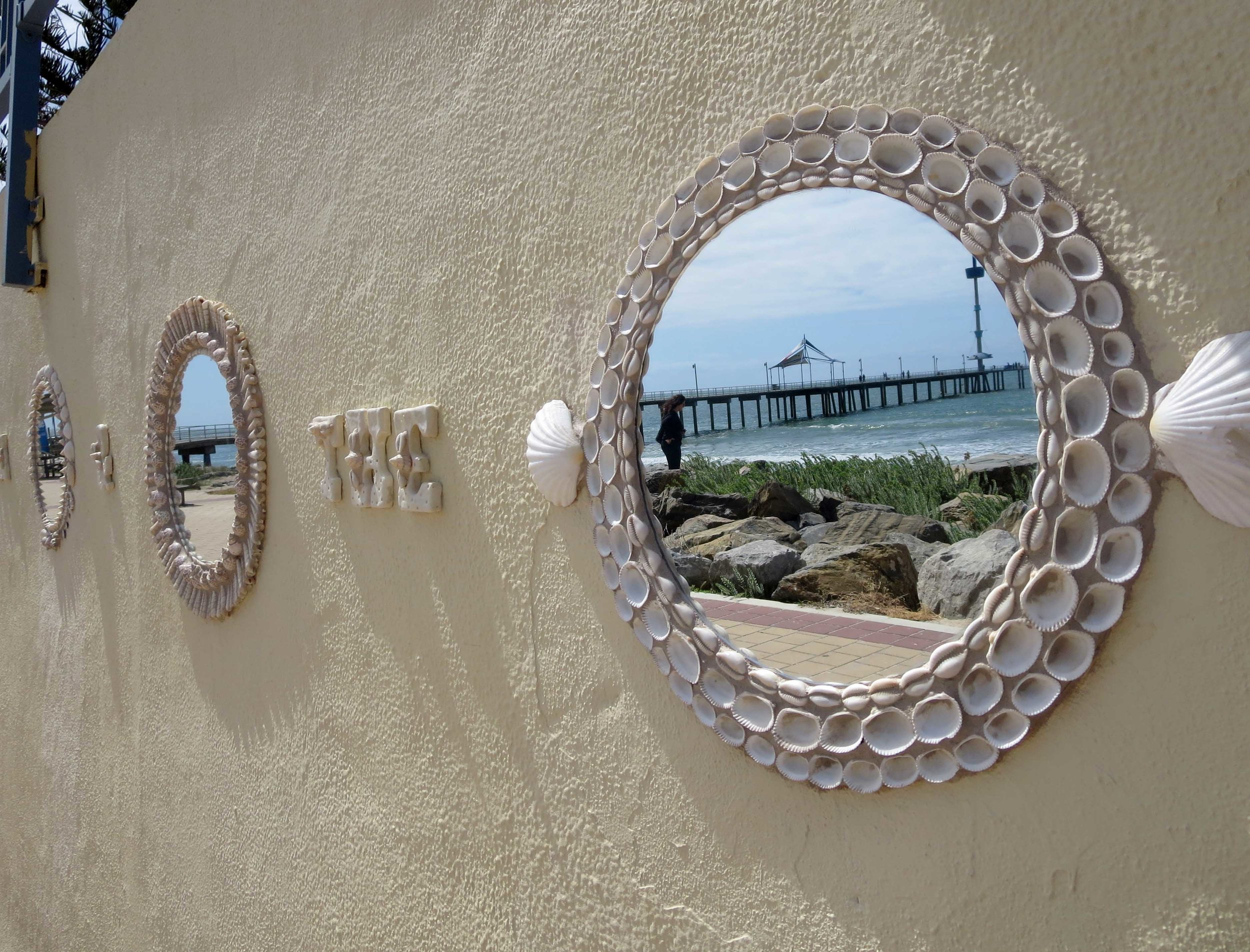 I see the sea.......