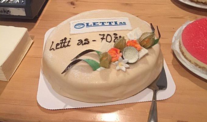 70 år: Spesialdesignet Letti-bløtkake.