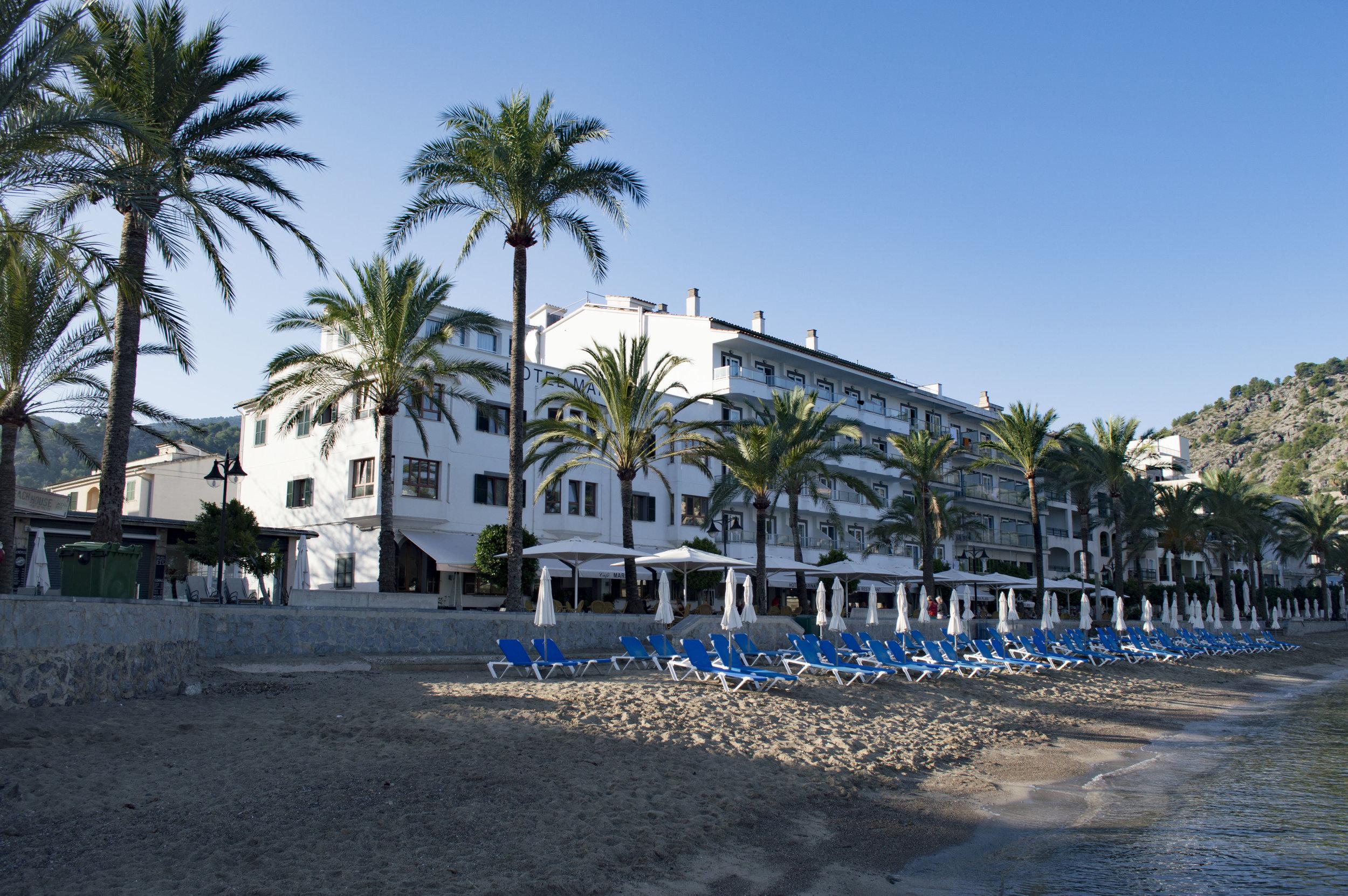 Hotel Beach.jpg