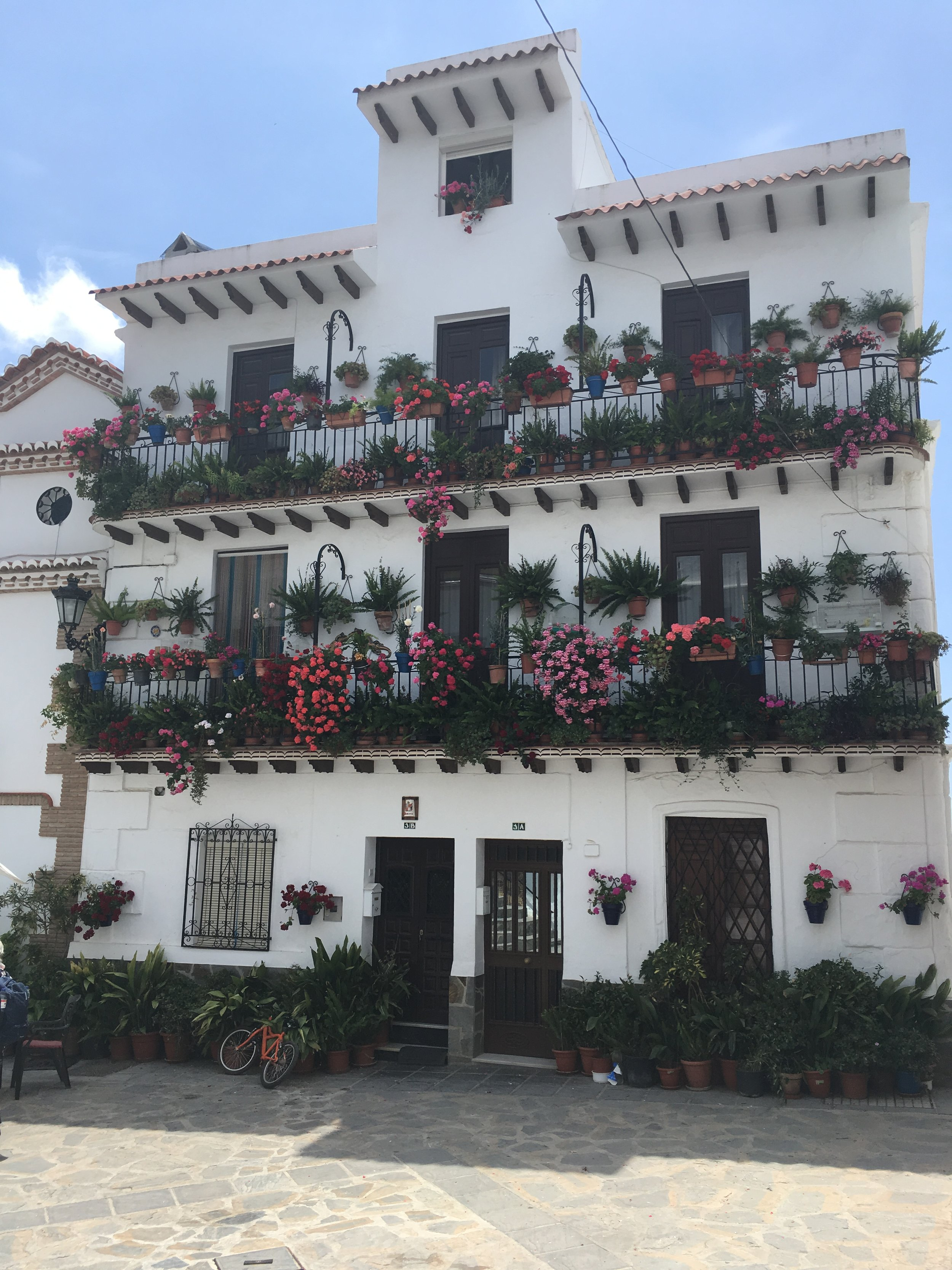 The town of Canillas