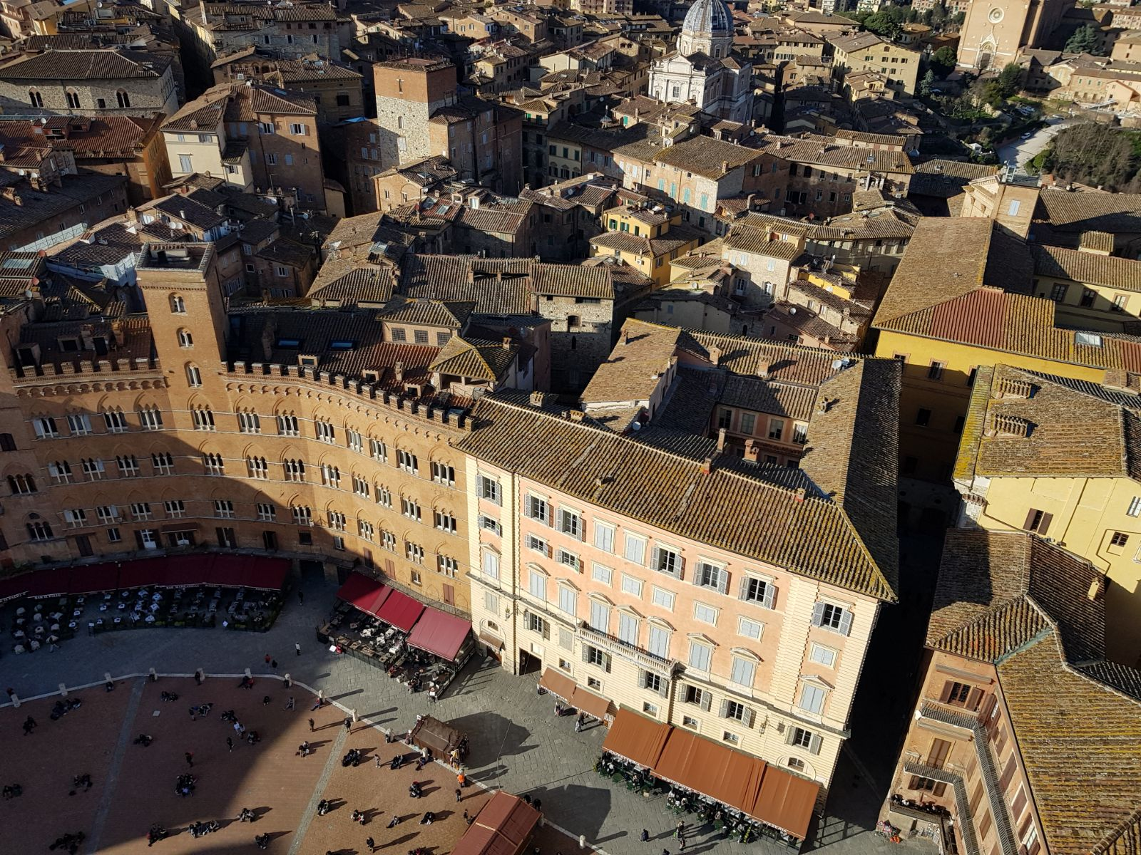 The view over Siena's Campo from Torre Mangia. (G. Przybylak)